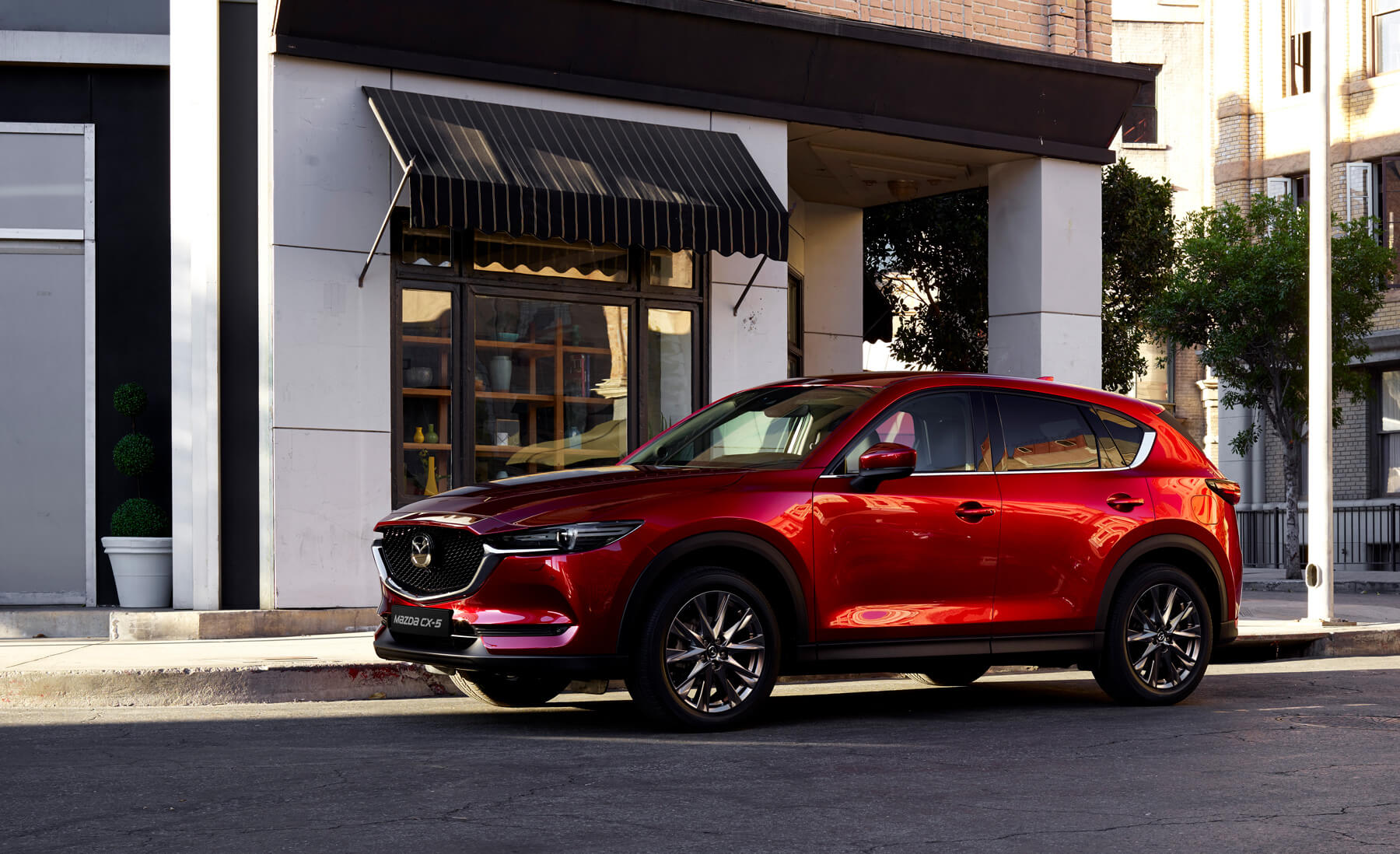 https://garage-engehof.mazda.ch/wp-content/uploads/sites/71/2019/07/ch_home_slider_05.jpg